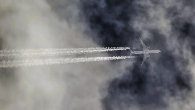 Qatar Airways / Boeing 777-3DZ(ER) / A7-BAU