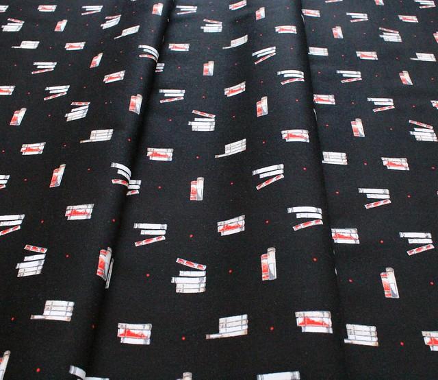 Camelot Fabrics Oxford 71190402-02 Dotty Books Black