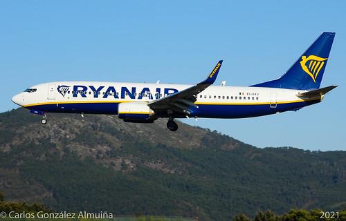 Ryanair 738