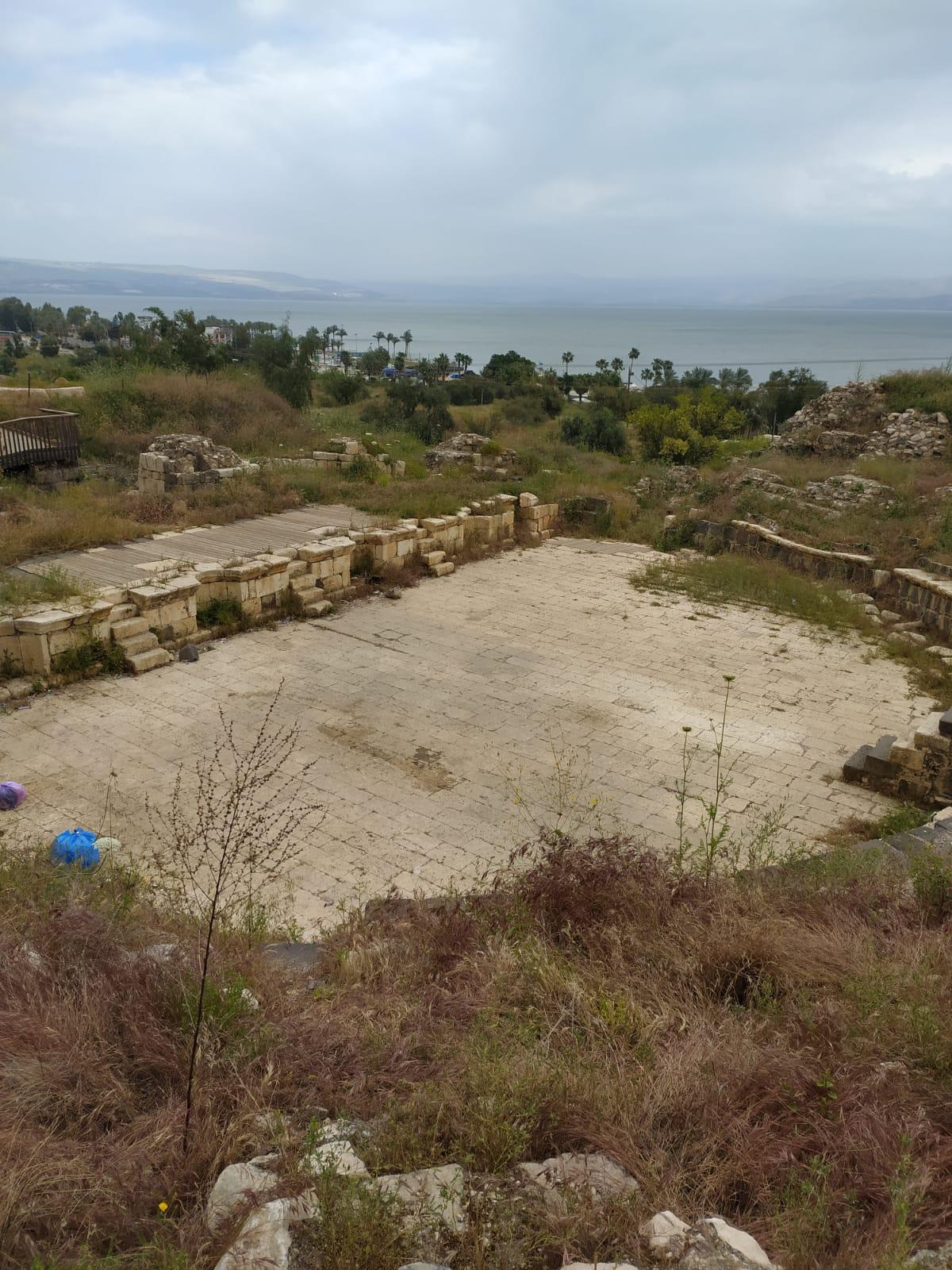 04. Театр