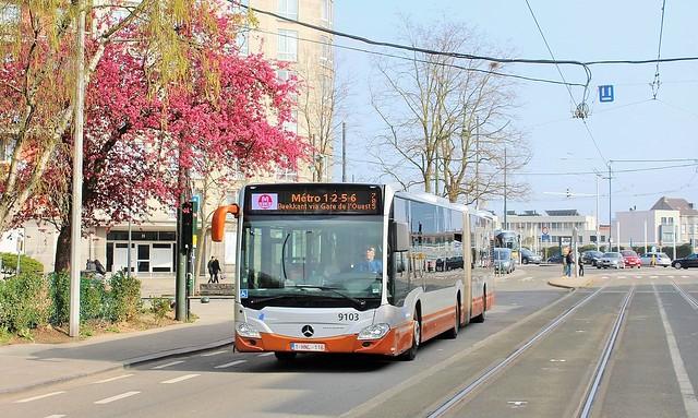 9103 Métro 1-2-5-6 Beekkant via Gare de l'Ouest
