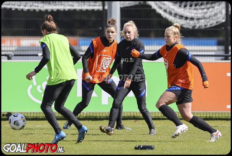Training Oranjeleeuwinnen in Zeist