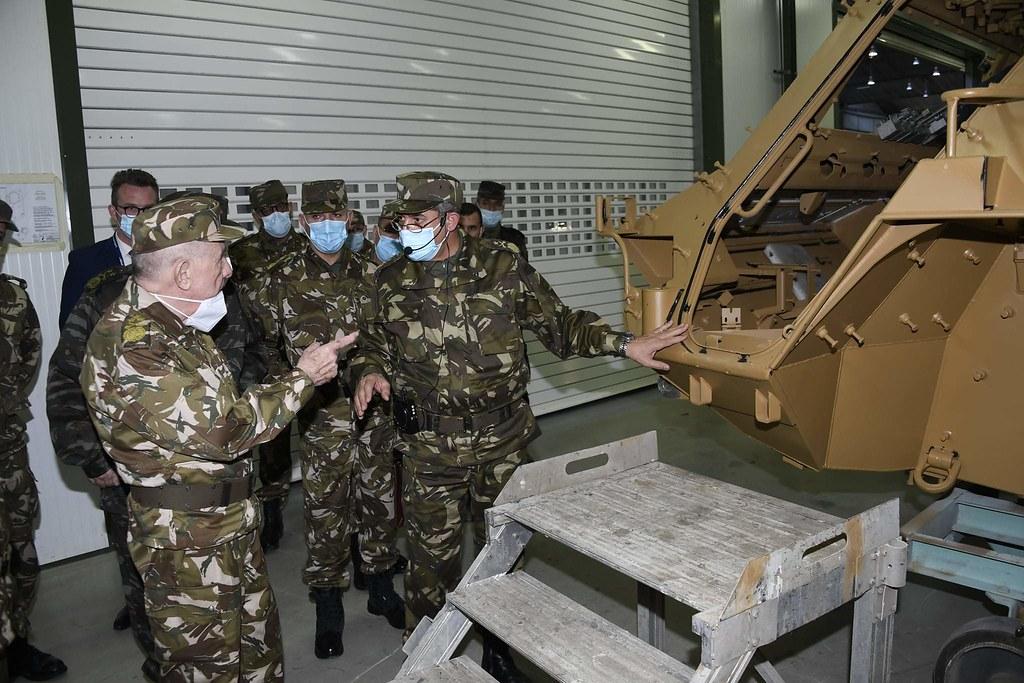 الصناعة العسكرية الجزائرية ... مدرعات ( فوكس 2 ) - صفحة 11 51111263803_a0b84825ac_b