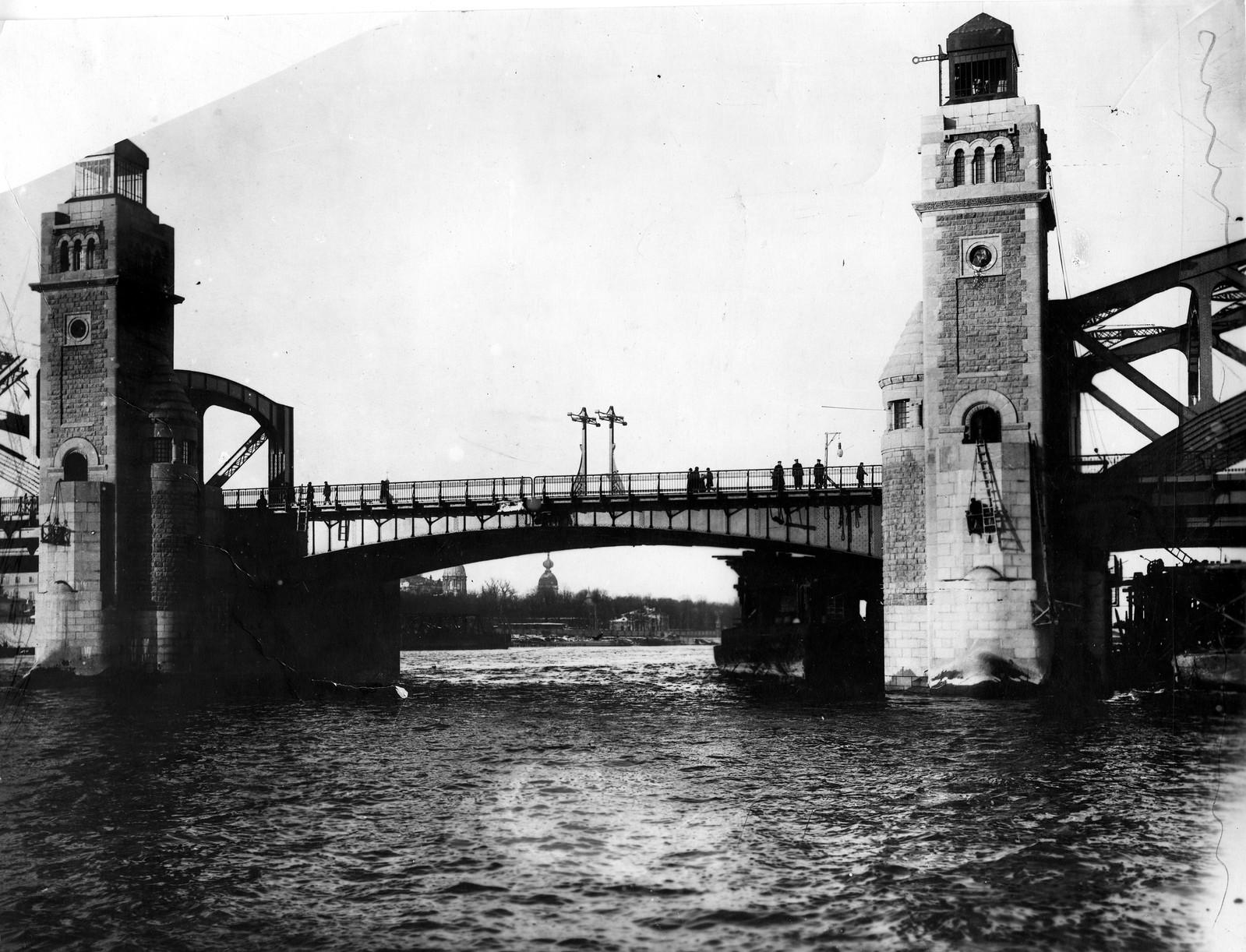 1911. Открытие моста Императора Петра Великого. 26 ноября