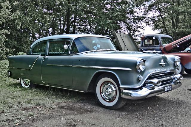Oldsmobile Super 88 Sedan 1954 (2564)