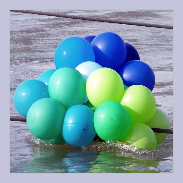 ein gekenterter Luftballonverkäufer..
