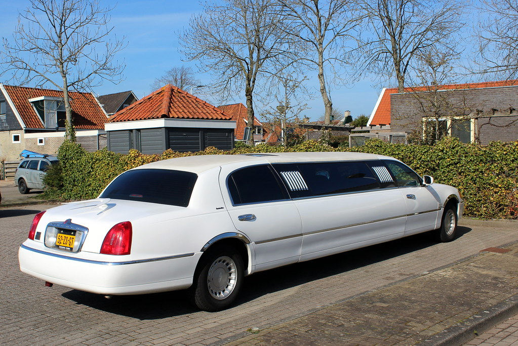 1998 Lincoln Town Car stretch limo