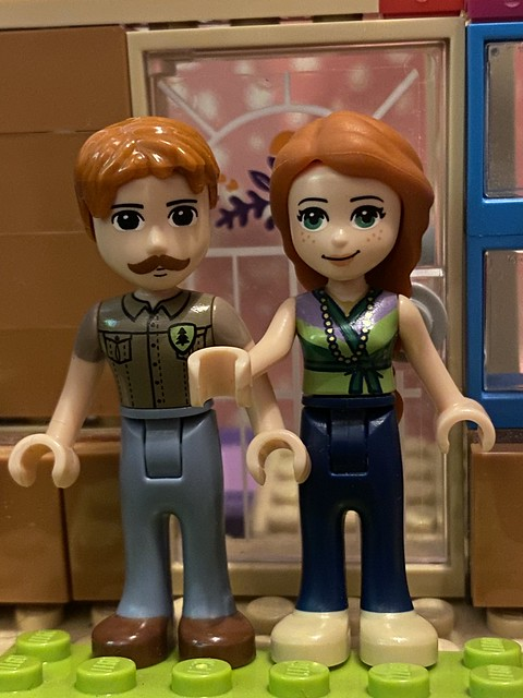 A pair of Lego people