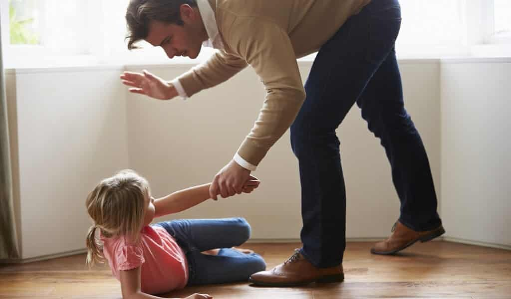 La fessée affecte le développement du cerveau de l'enfant