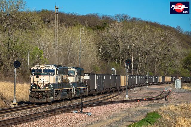 Westbound BNSF Empty Coal Train at Amazonia, MO