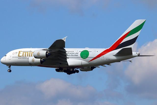 Emirates طَيَران الإمارات Airbus A380-842