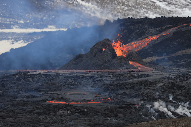 The fourth crater erupting, Iceland