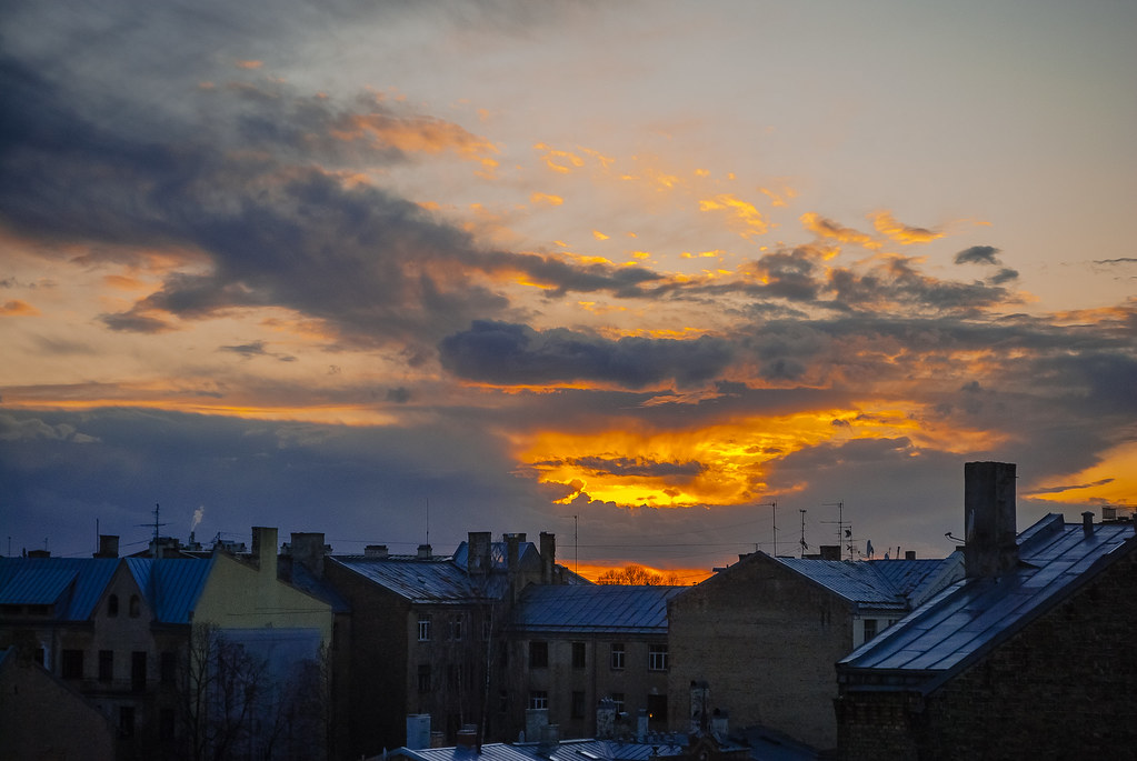 Fire in the sky . explore. Шикарное пожарище в небе!