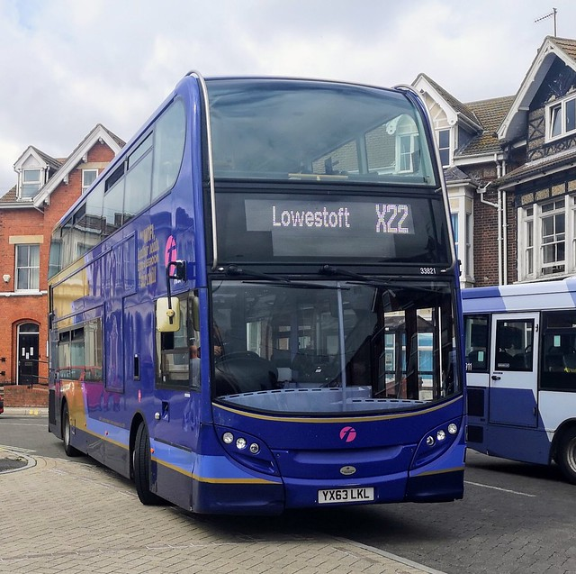 First Coastlink 33821 is turning into Lowestoft Bus Station while at the end of a journey on the X22 from Norwich via Loddon, Beccles and Carlton Colville. - YX63 LKL - 26th August 2020