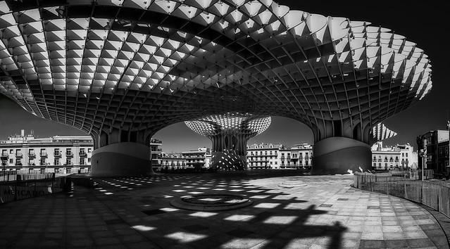 Monochrome Metropol Sevilla