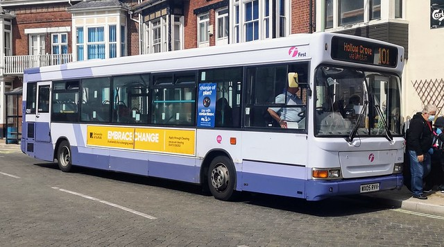 First Lowestoft 42911 is unloading on Gordon Road before leaving on route 101 to Hollow Grove via Whitton. - WX05 RVV - 26th August 2020