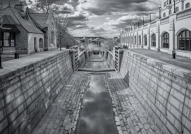 Rideau Canal Locks ... (c)rebfoto