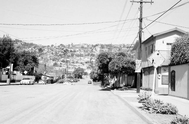 Colección Calles de Ensenada. Calle 17 entre Ruíz y Gastelum (Rollei 35 Abril 2021 IMG_20210402_0017)