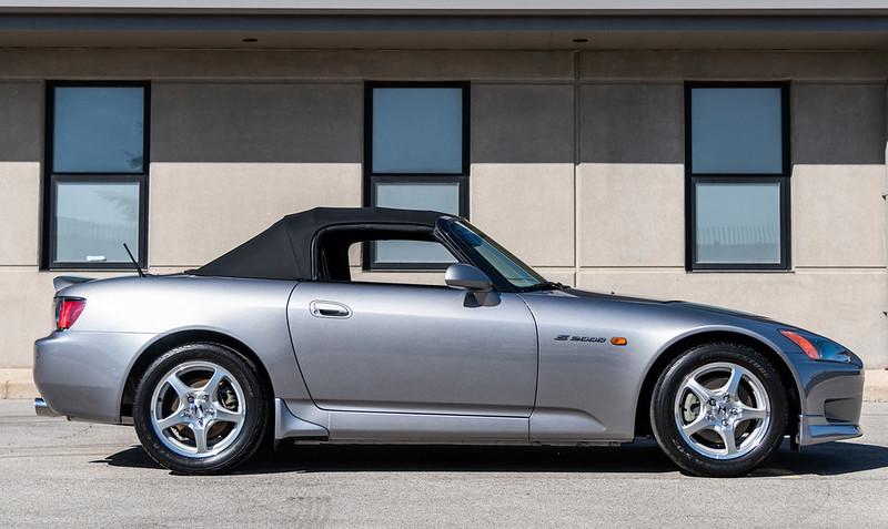 2001-Honda-S2000-15