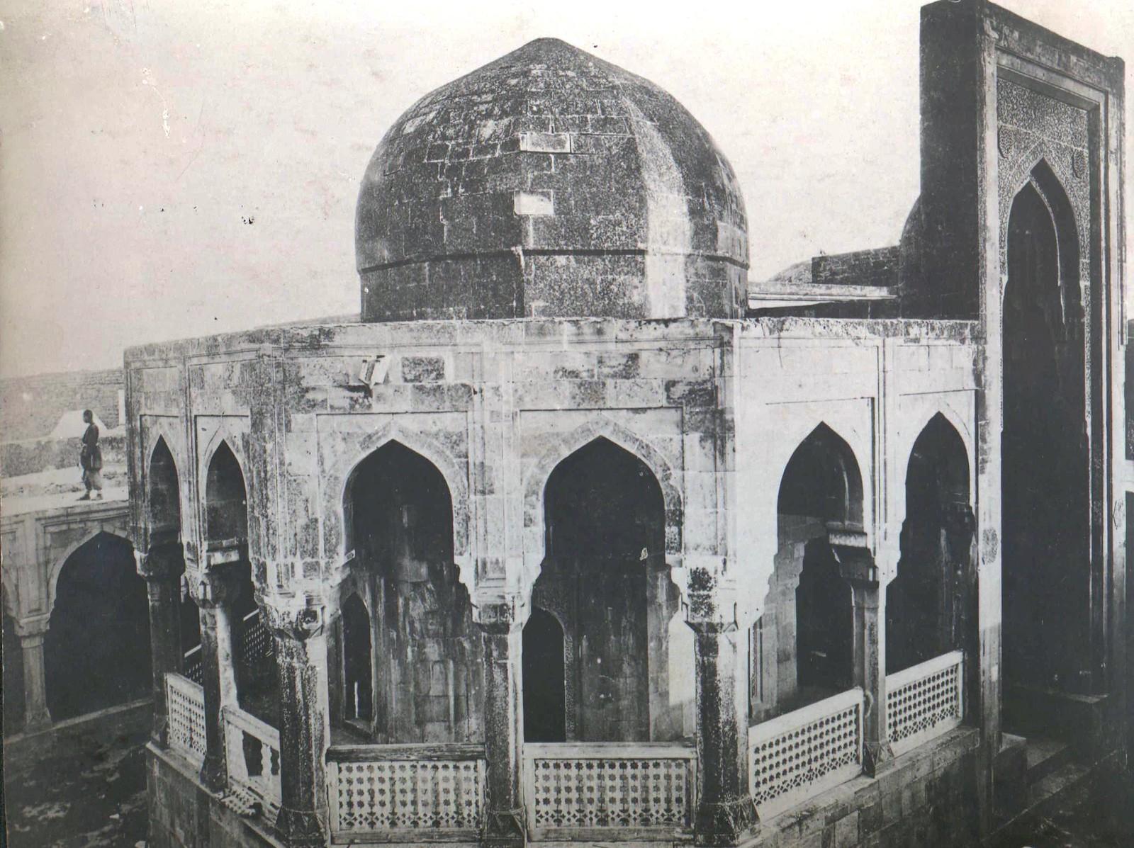 215. Баку. Ханское судилище в крепости