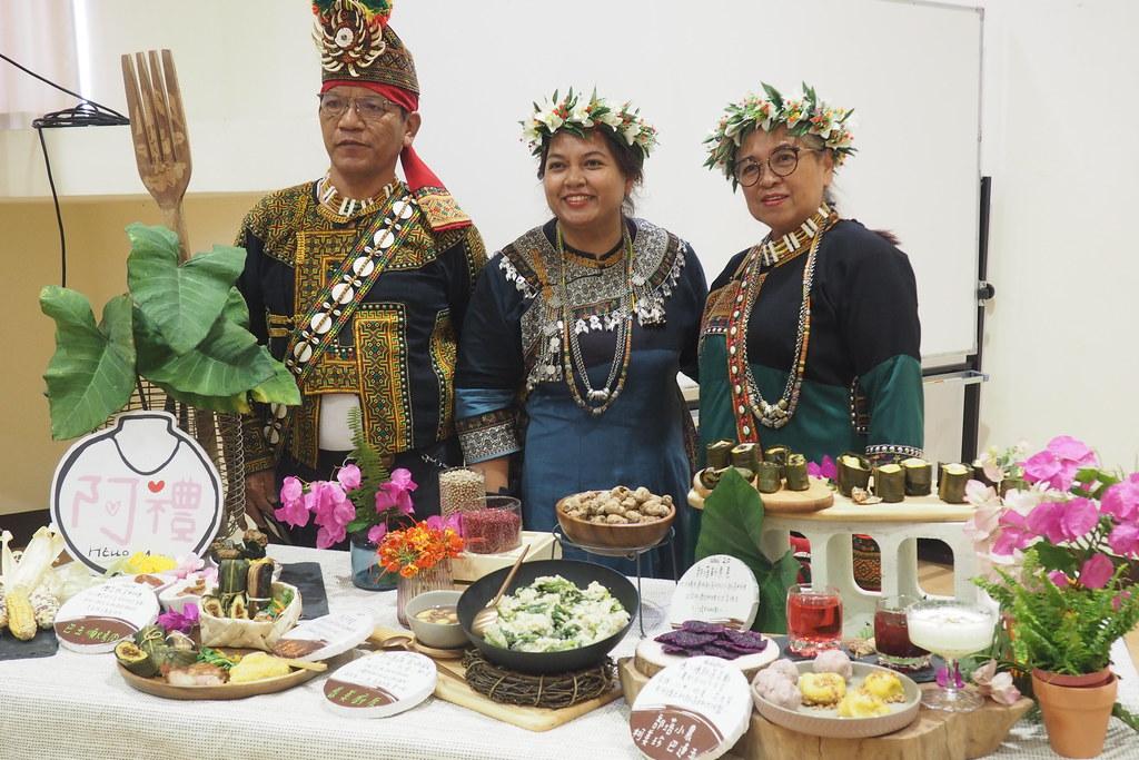 櫟茉莎呢(中)期許景觀區經營計畫推動,能實質幫助部落文化和自然資源永續保存。攝影:李育琴