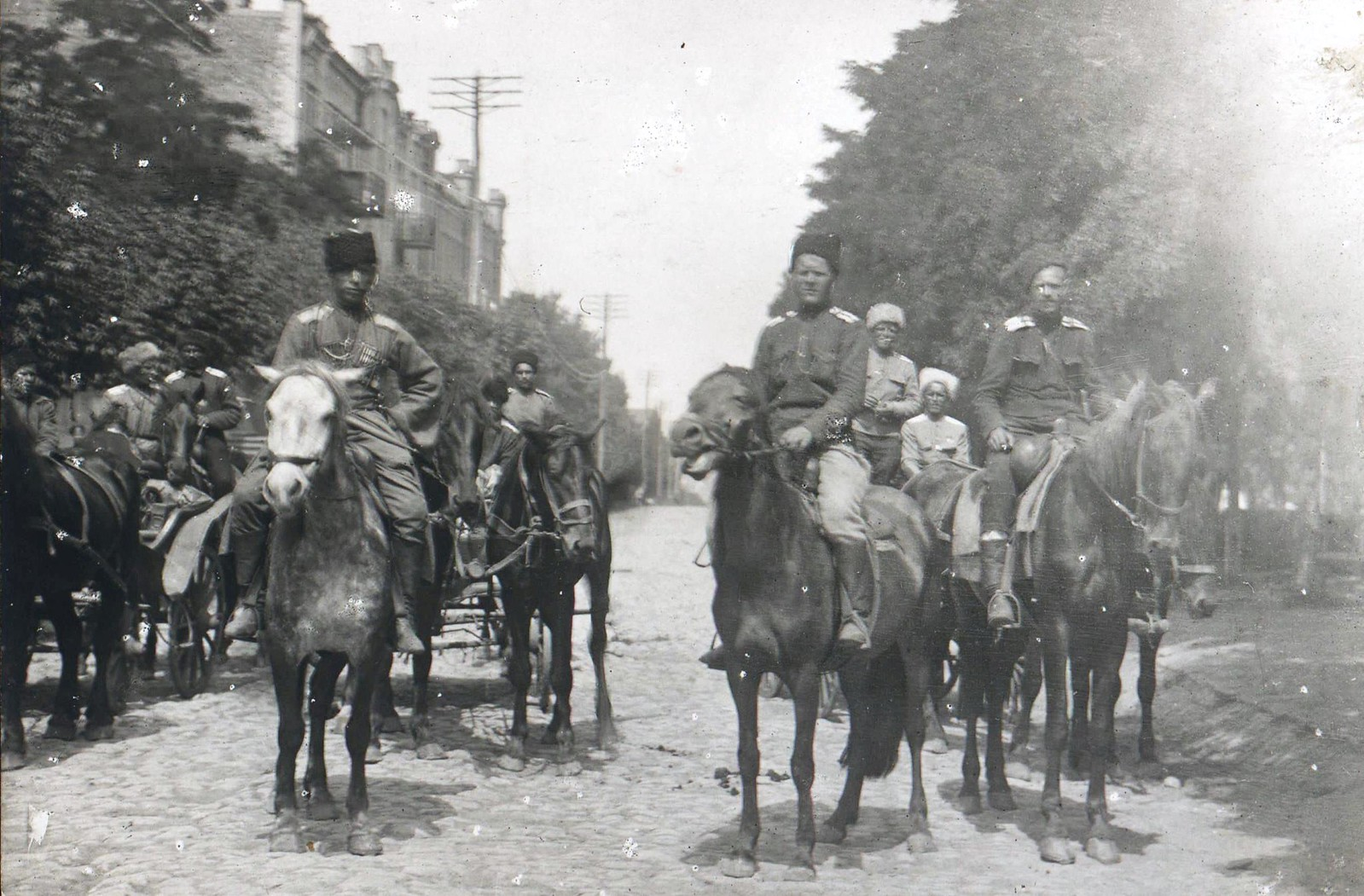 204. 1919. Войска 1-й Кавказской конной дивизии в освобожденном Екатеринославе