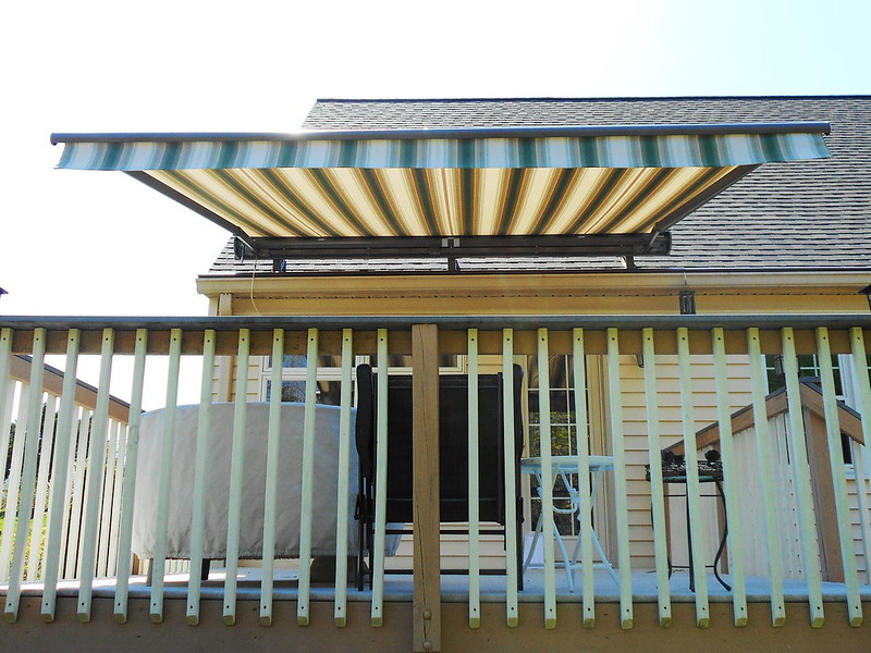 Retractable Awning - Straight Valance-Hoffman Awning Baltimore