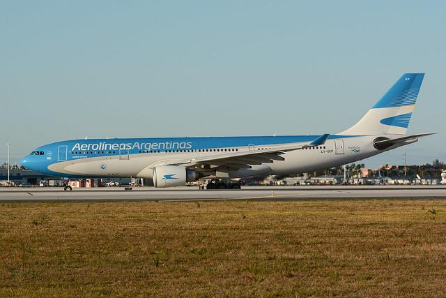 LV-GKP Airbus A330-203 KMIA 17-04-18