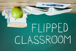19360644-flipped-classroom-concept-on-blackboard