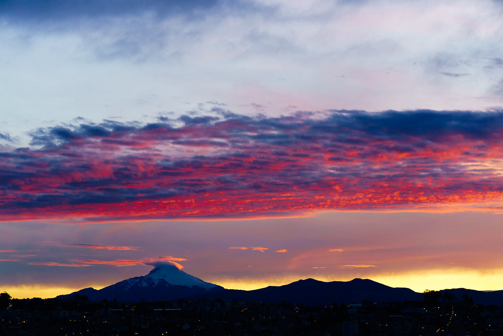 Quito: sunrise amanecer