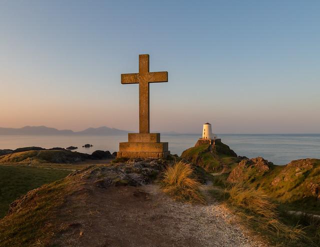 St Dwynwens cross,  explore 15-4-21