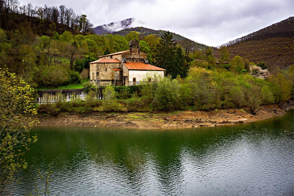 Primavera en el embalse..Santa María De Tanes.