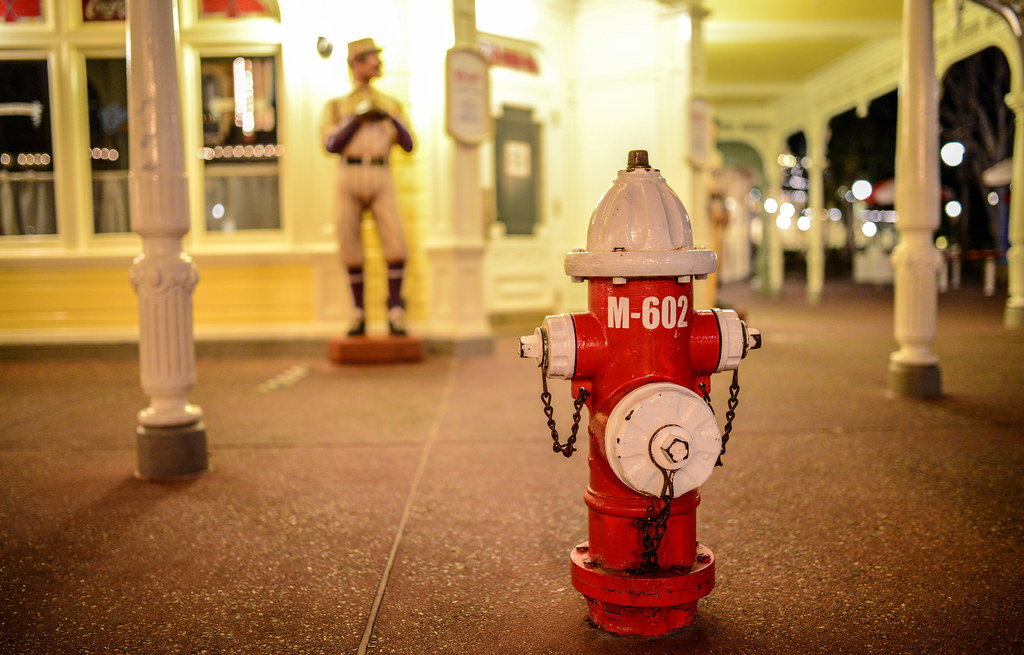 Fire hydrant MK night