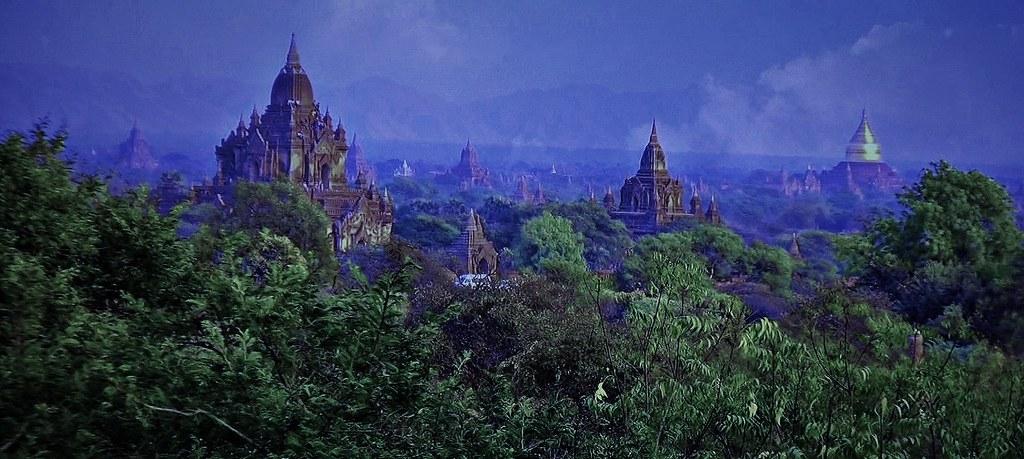MYANMAR ,Burma - Old-Bagan, Sonnenuntergang mit Blick von der imposanten Shwesandaw-Pagode(Tempel), 78295/13575