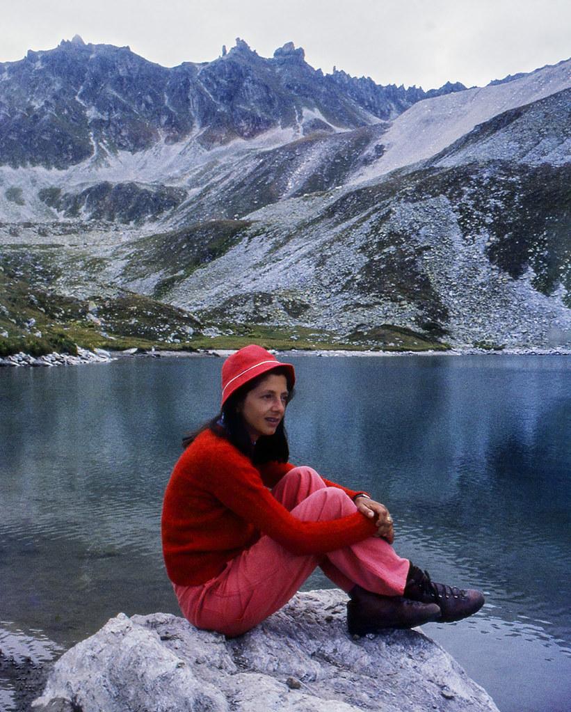 La ragazza in rosso (agosto 1982)