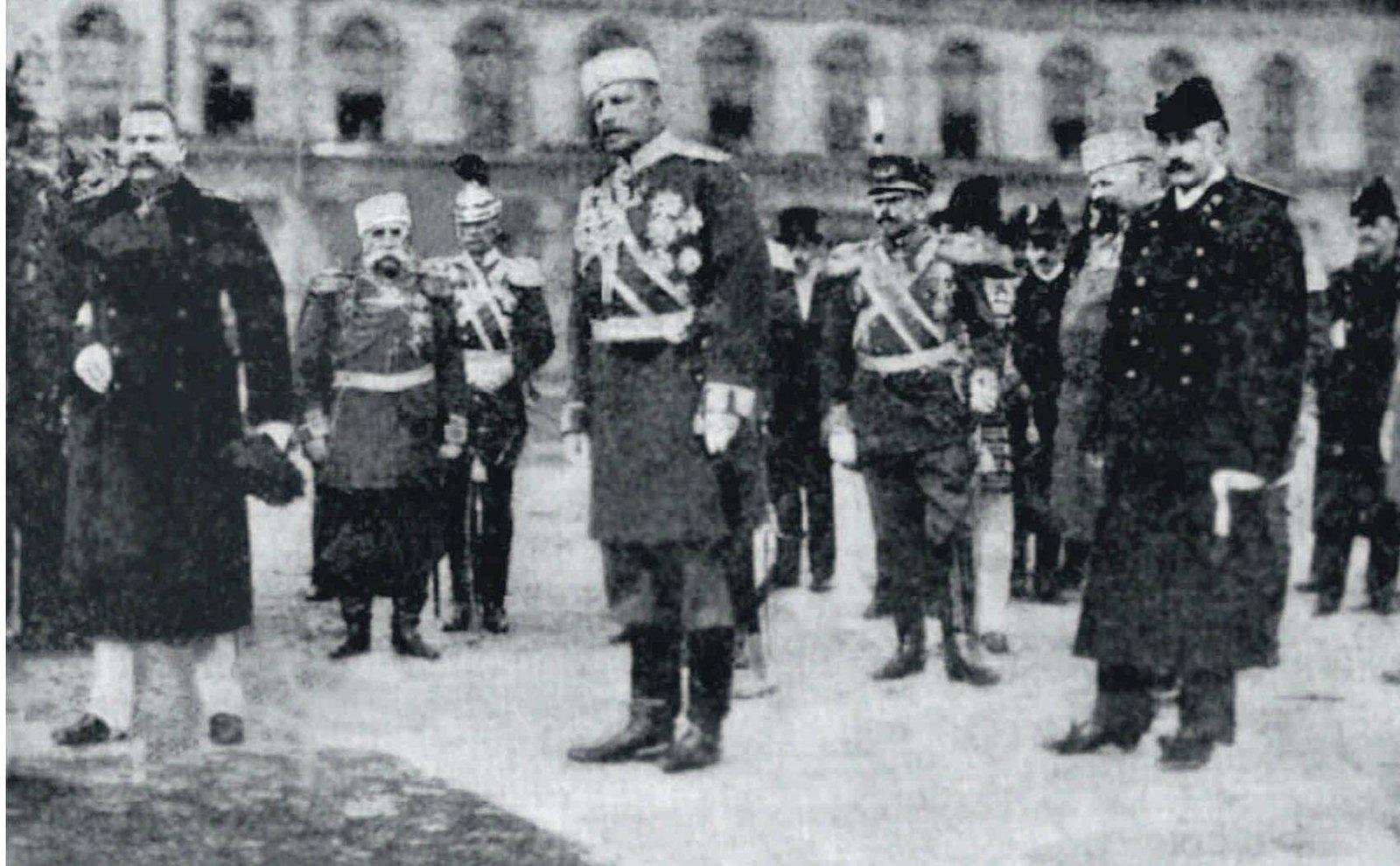 1913. Министр внутренних дел Н.А.Маклаков на празднике столичной полиции. 6 мая