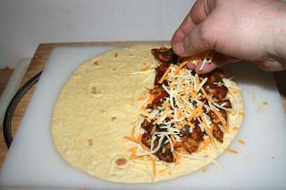 32 - Dredge with more cheese / Mit mehr Käse bestreuen