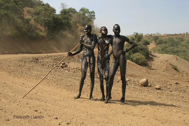 Ragazzi di etnia Konso