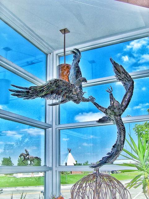 Le Claire Iowa ~ Vistors Centre ~ Blue Heron  Sculpture