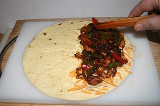 30 - Add bell pepper & onion / Paprika & Zwiebel addieren