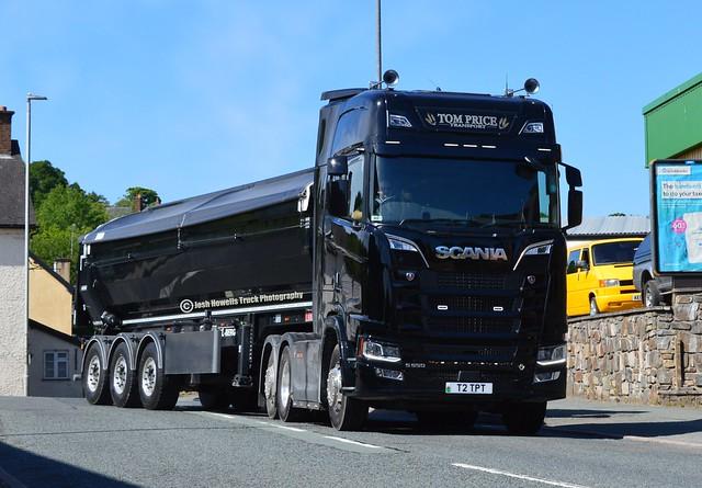 Tom Price Transport T2 TPT At Llanfair Caereinion