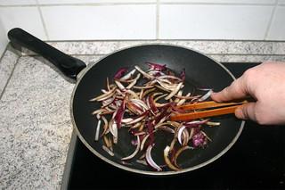 21 - Braise onion / Zwiebel andünsten