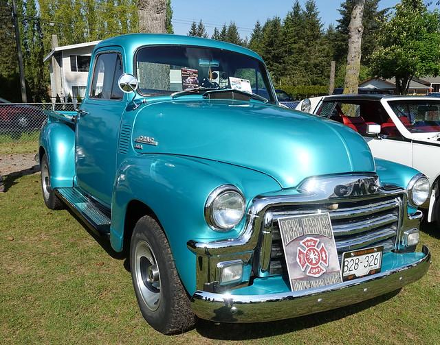 1954 GMC 100 stepside pickup truck