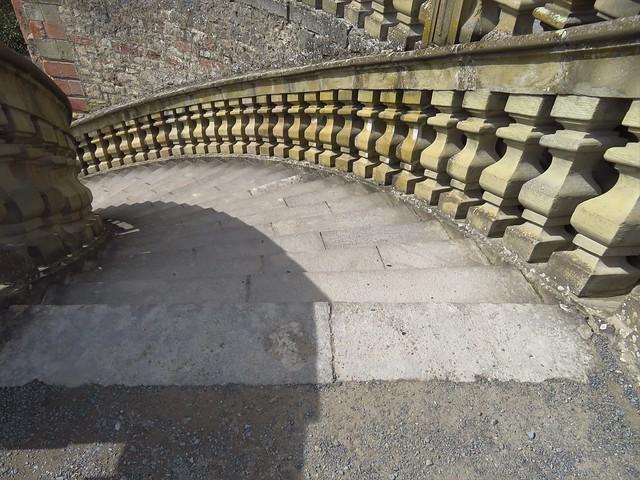 Treppen hinunter zum Garten
