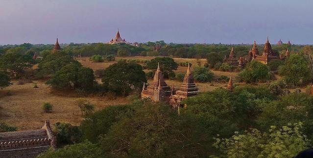 MYANMAR ,Burma - Old-Bagan, Sonnenuntergang mit Blick von der imposanten Shwesandaw-Pagode(Tempel), 78294/13574