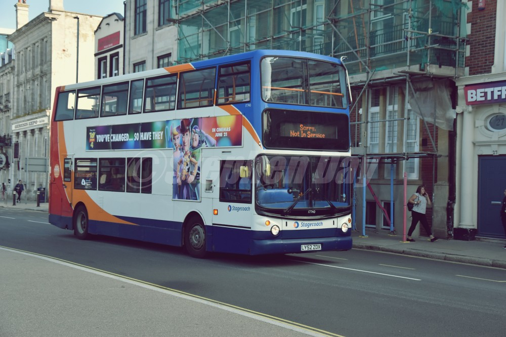 17740 Stagecoach South LY52ZDX TransBUs Trident TransBus ALX400 ex Stagecoach Western Buses, Stagecoach Selkent new to Stagecoach East London. The Hard Portsmouth 20.8.19