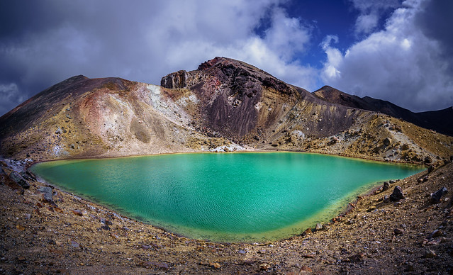 The Tongariro Emerald lake ( true colours )