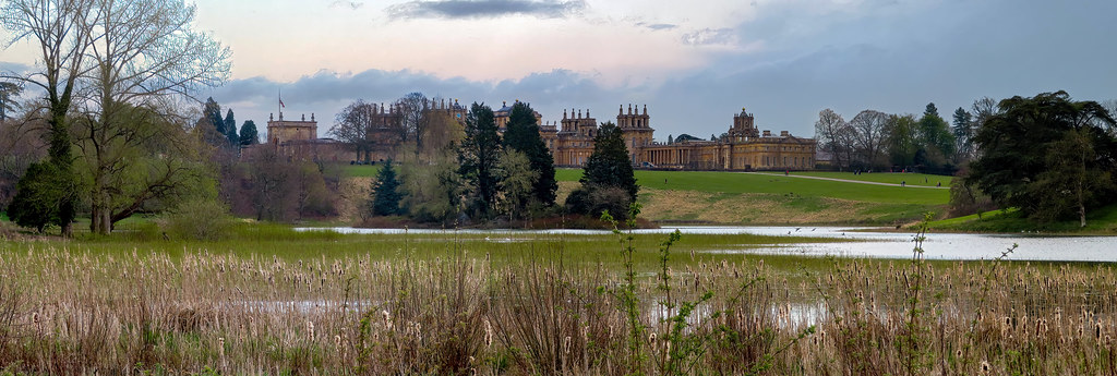 Blenheim Palace over Queen Pool