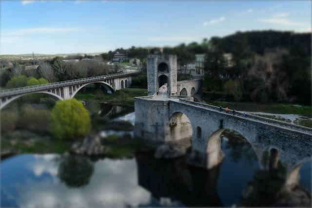 Pont de Besalú (tilt-shift effect)