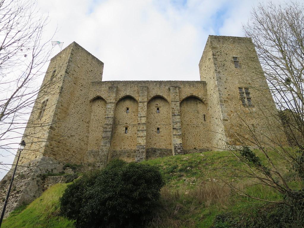 Quel est ce lieu??? Château de la Madeleine, Chevreuse (78) [Explore du 15 avril 2021]